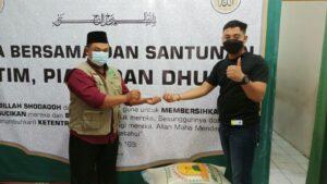 Bapak Irjen. Pol. Drs. Anang Revandoko turun langsung ke kawasan Cipinang, Jakarta Timur membantu proses evakuasi korban banjirFoto : beritalangit.net